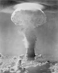 Gerboise Bleue 1ère Bombe Atomique
