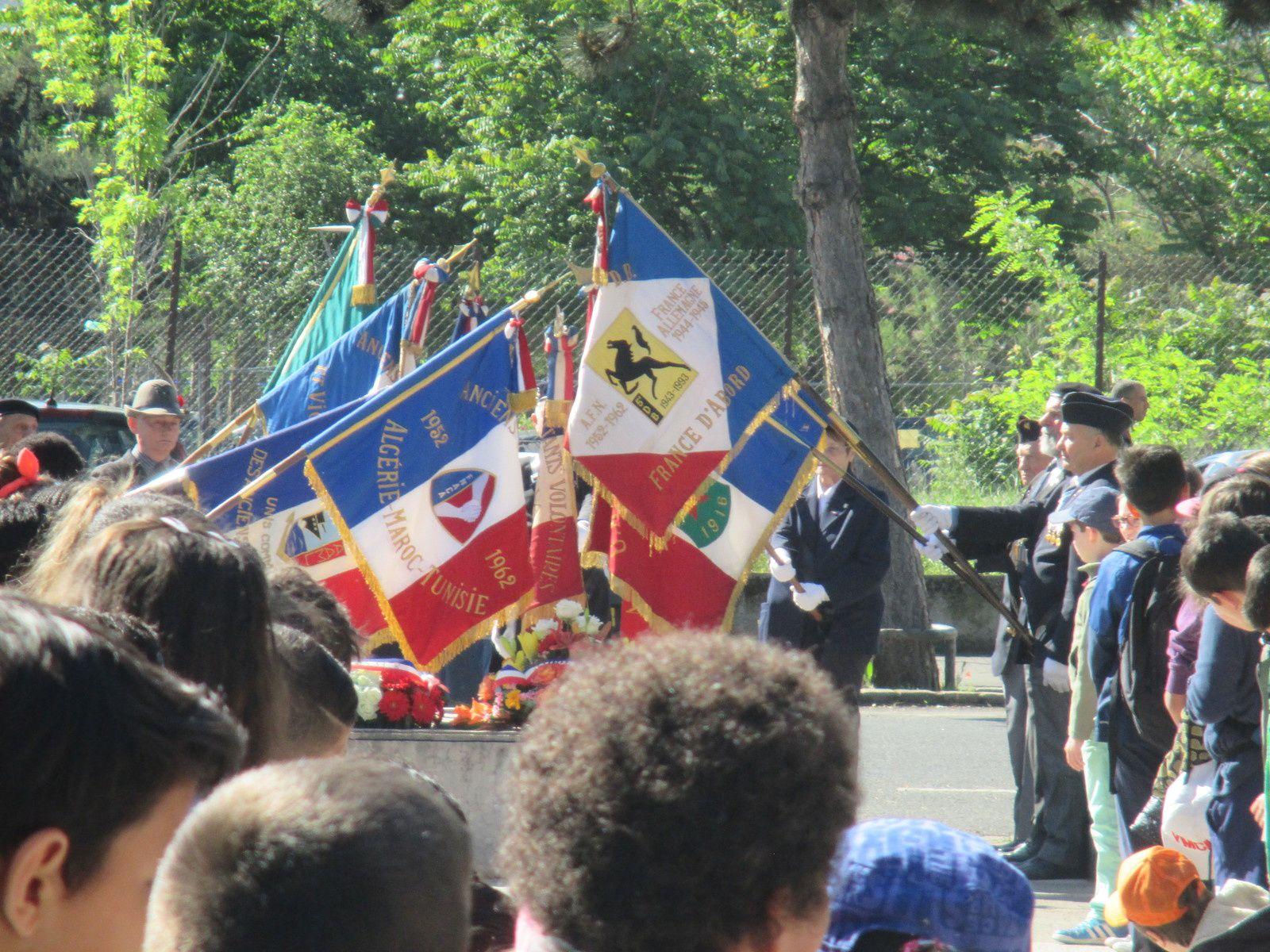 VENDREDI 7 MAI 2015 : L'A.MN.D.V.D.E.N INVITÉE PAR LA  MAIRIE DE LYON 8ÈME À LA COMMÉMORATION DE LA VICTOIRE DE 1945