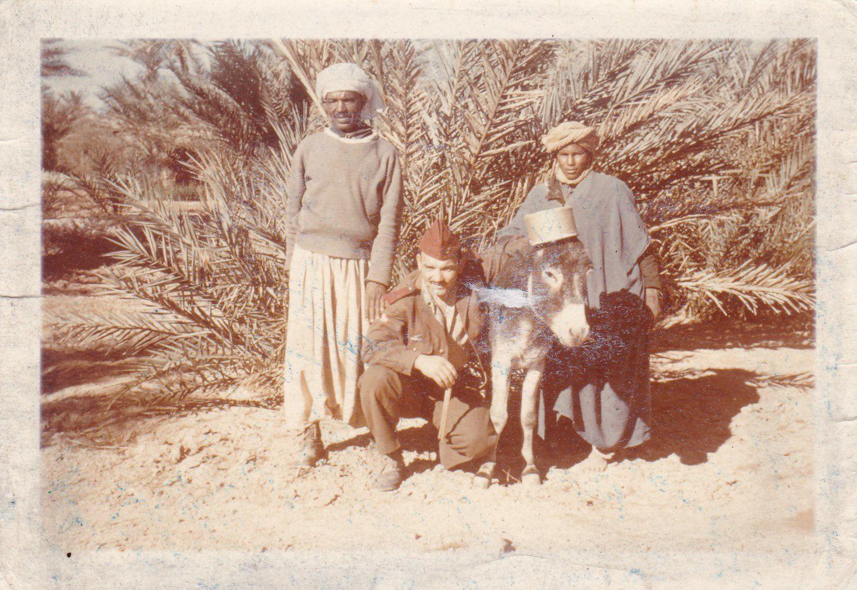 René DELANNOY à la palmeraie de Timadanine  avec un des chefs PLBT (Mustapha)