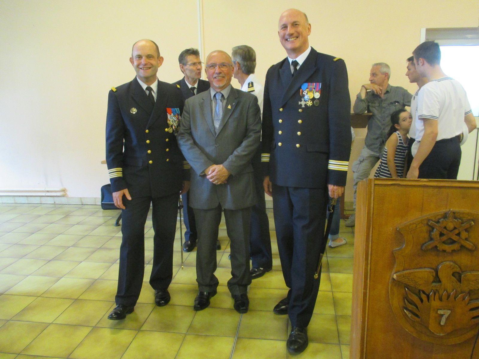 Le Président National Roland PICAUD a eu plaisir à revoir le Capitaine de Vaisseau Christophe PAGOT Chef d'Etat Major, Commandement de la Zone et de l'Arrondissement Maritime Méditerranée et le Capitaine de Frégate Jean-Luc LOGEL Membre du Comité d'Honneur de l'a.M.N.D.V.D.E.N avec qui des liens d'amitiés se sont instaurés