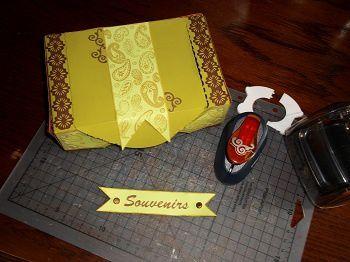 idées créations et boite à souvenirs avec une boite de gros sucre !!