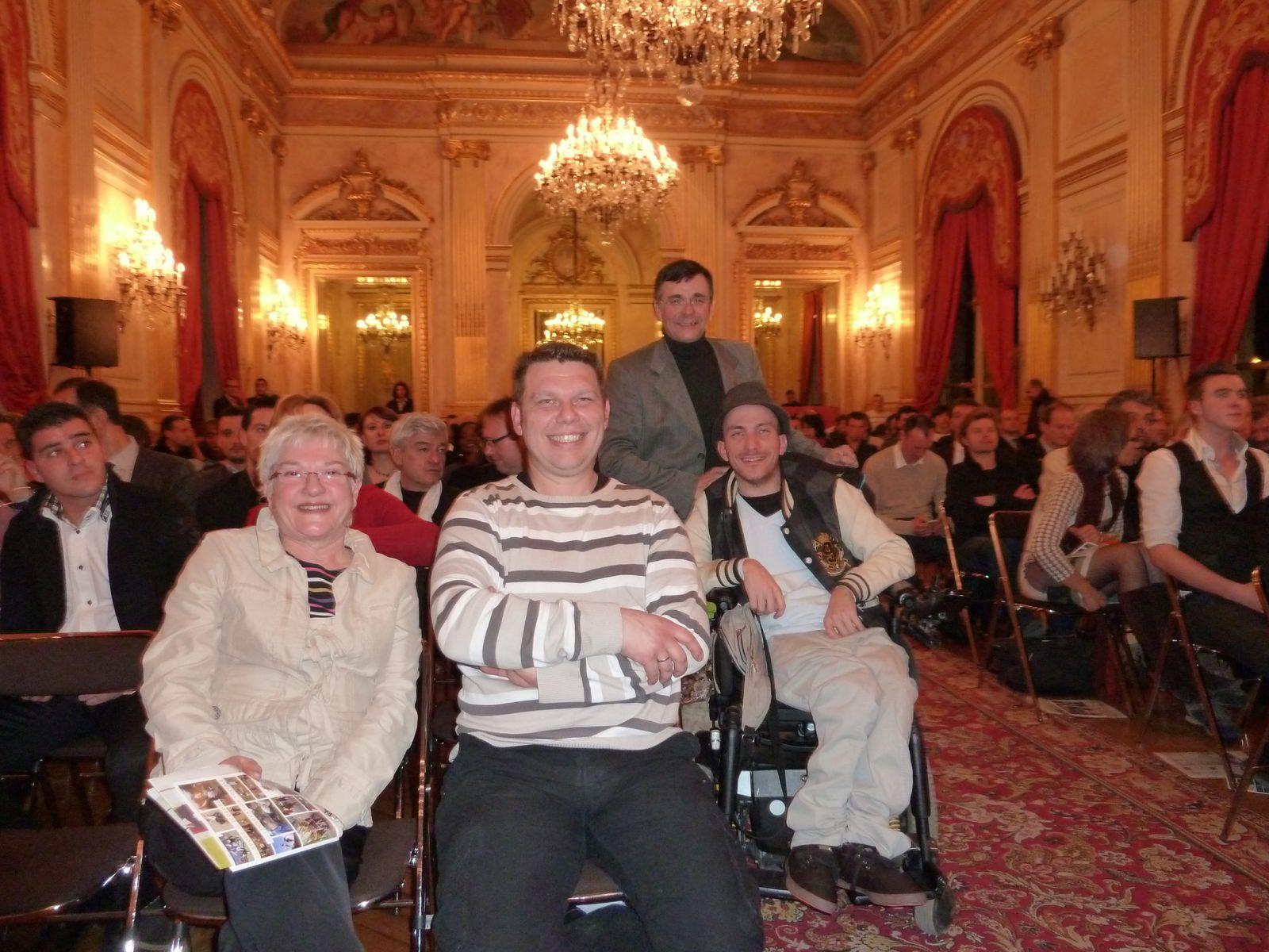 Daniele, Patrick, Roland, Johnny sous les lustres de l'Assemblée Nationale