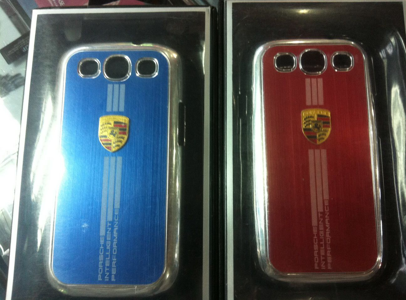 coque en aluminium ferrari bmw porsche pour samsung s3 i9300 accessoires p riph rique de jeux. Black Bedroom Furniture Sets. Home Design Ideas