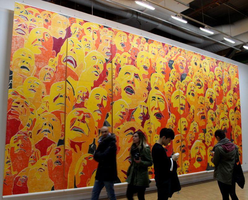 à droite: Oeuvre de Fang jun et a Gauche: Thomas Hirschhorn outgrowth