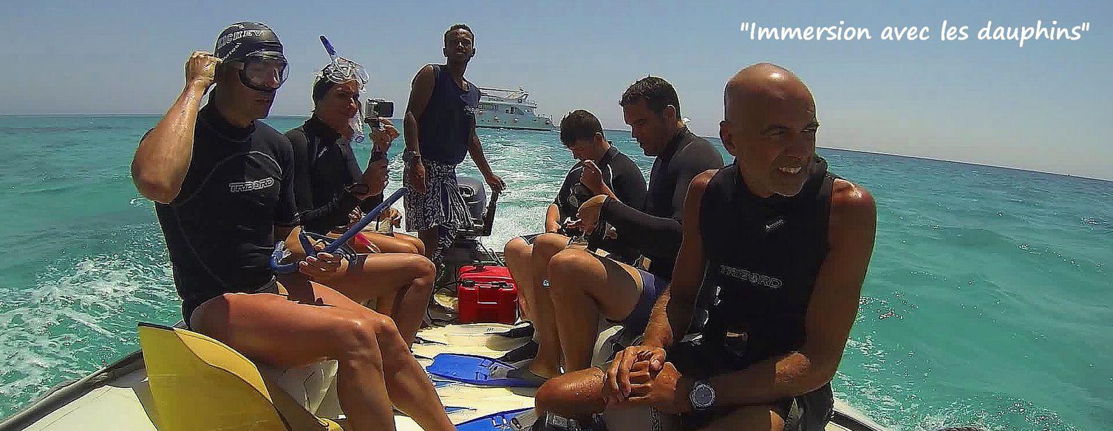 Théo, Florence, Romain, Grégory et Eric dans un endroit protégé et peu fréquenté par les bateaux.