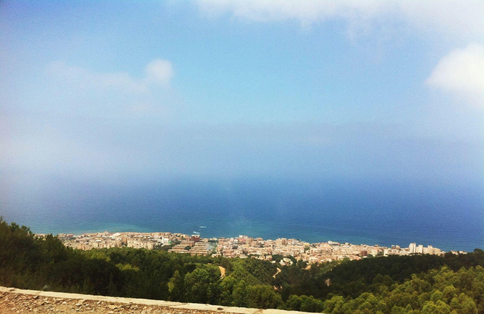 Du haut de la Forêt de Bouchaoui on ne distingue plus la mer du ciel, Alger