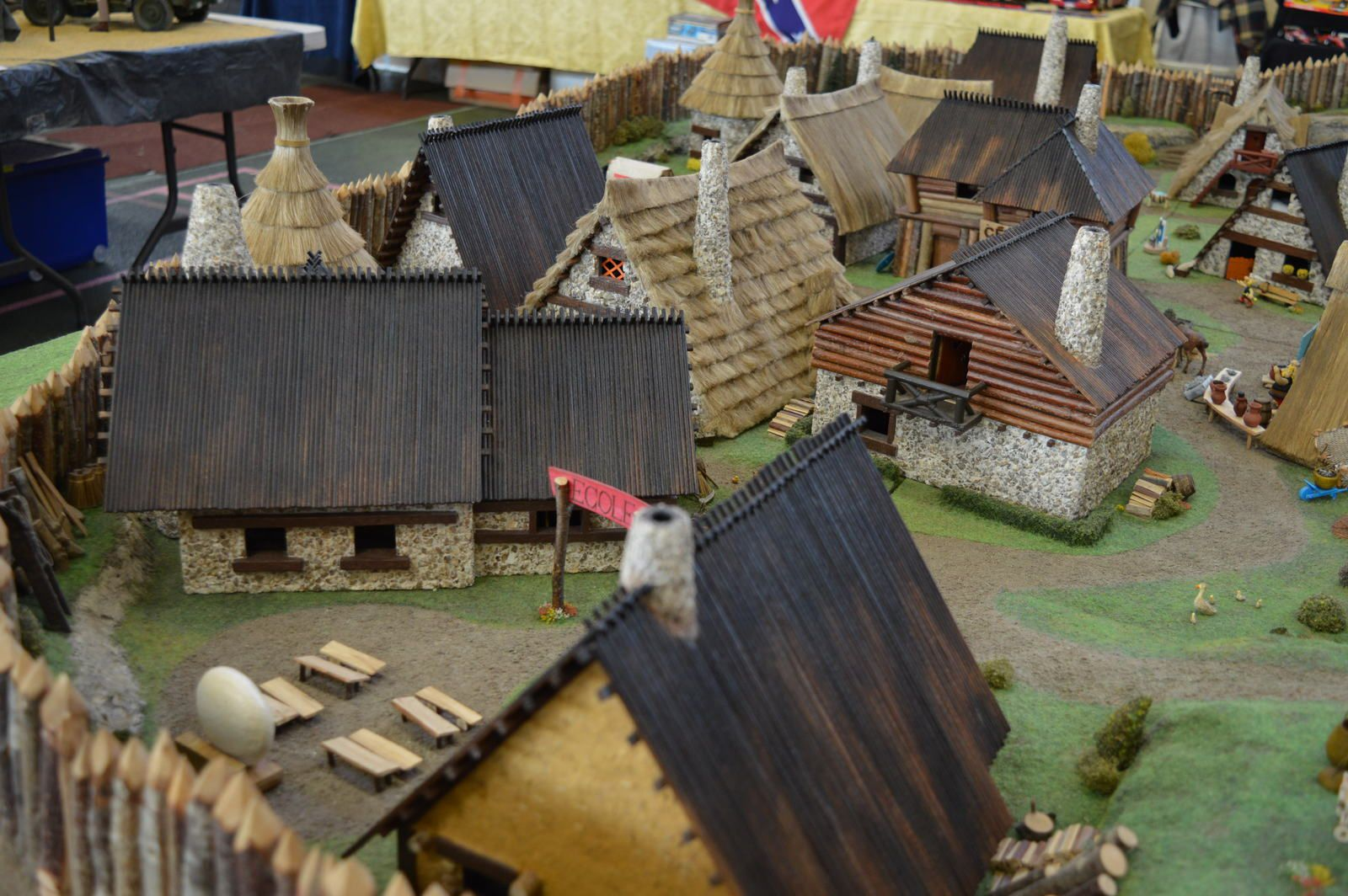"expo Montbrison 2015  diorama ""Astérix""     1/...."