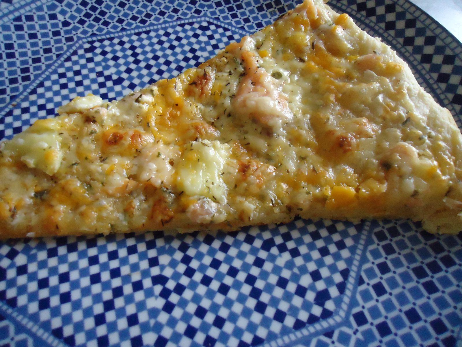 pizzas géantes au thon, au saumon, aux légumes