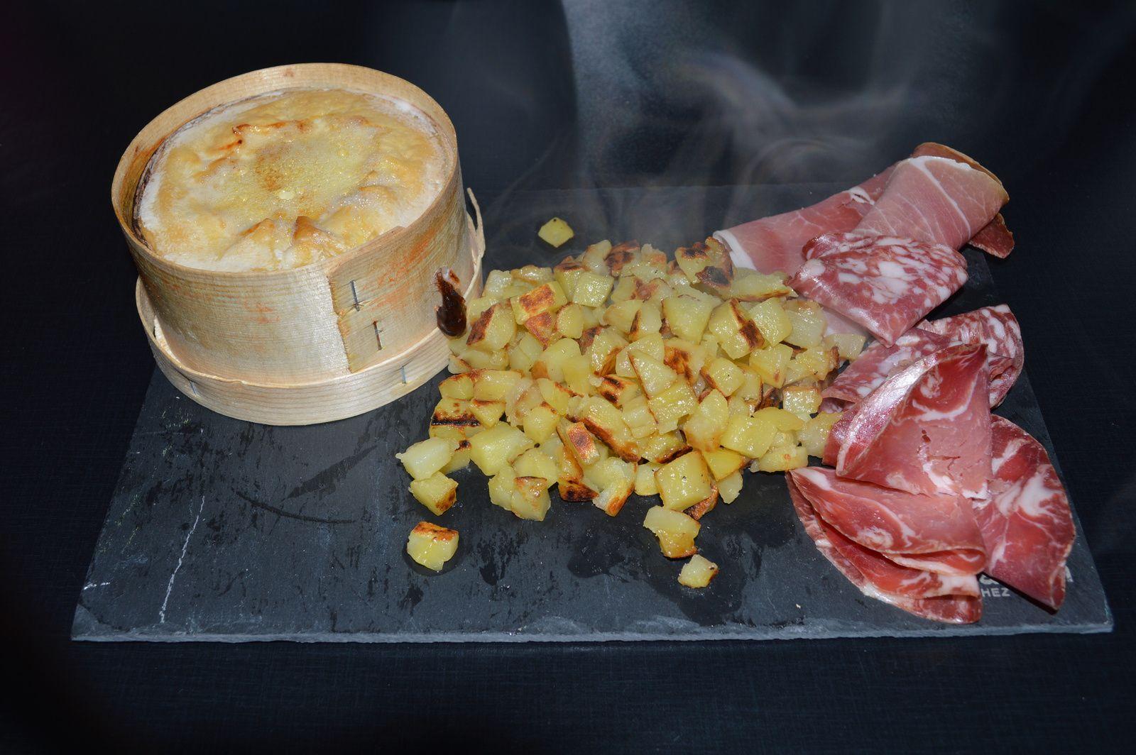Fondue au mont d 39 or la cuisine de gaelle - Mont d or au four ...