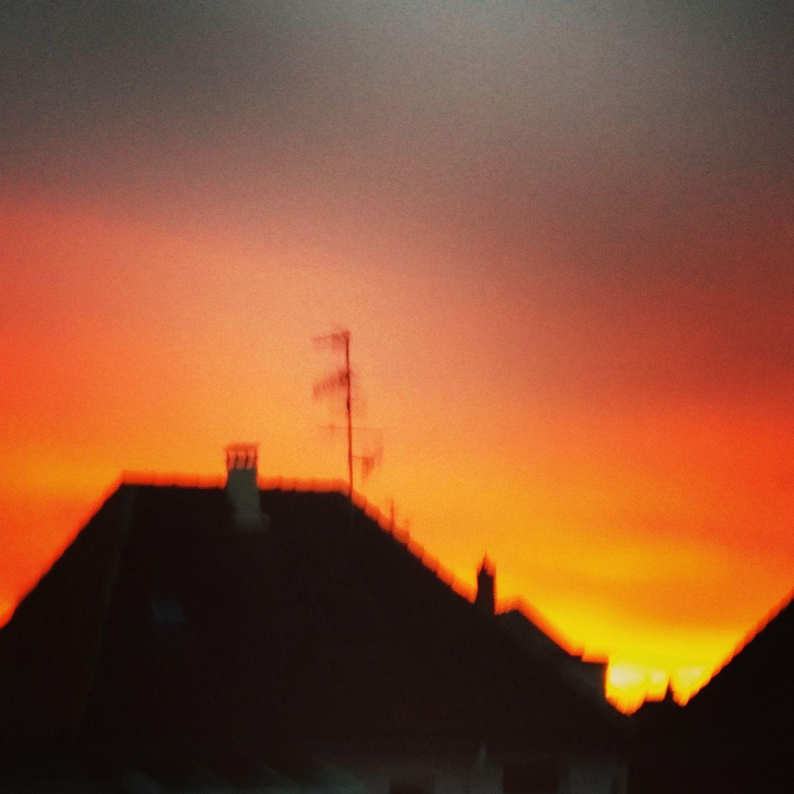 "Ciel incandescent au petit matin..."" défi ciel"""