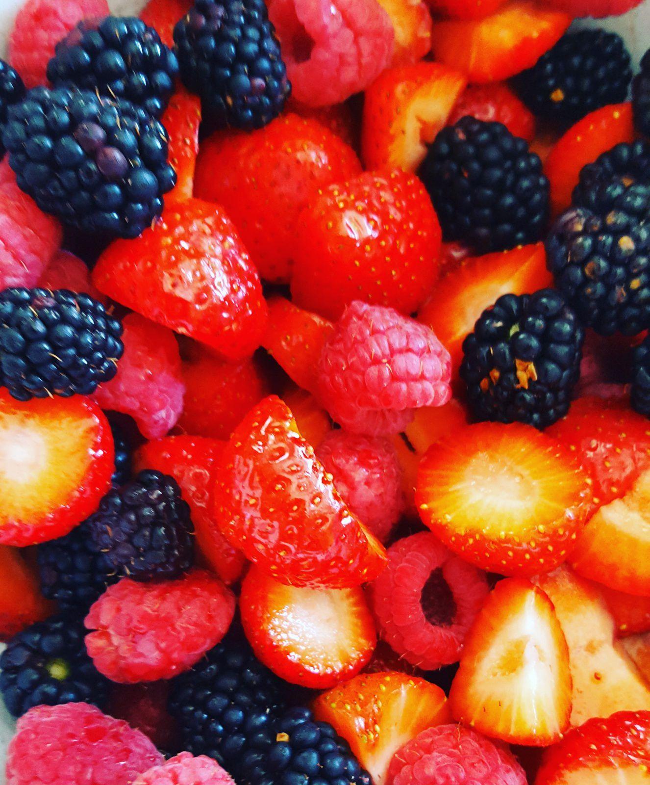 fruits rouges pour le goûter..
