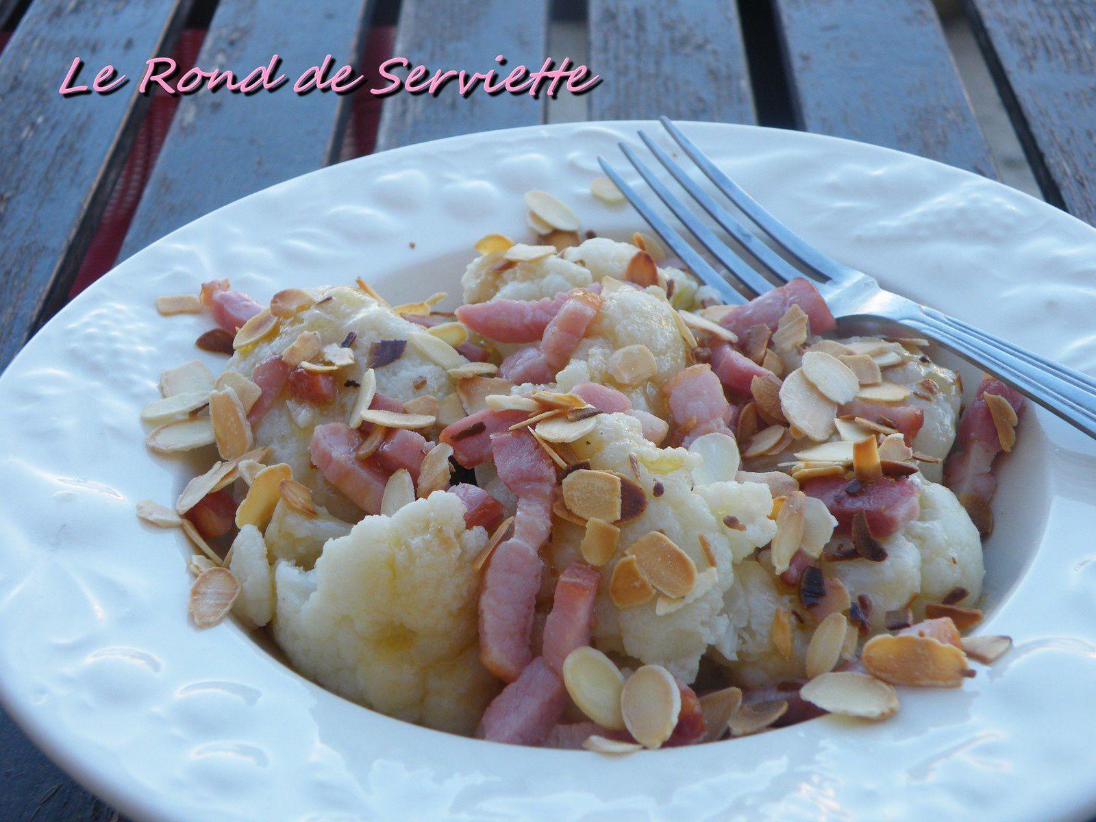 Salade tiède de choux-fleur aux lardons &amp&#x3B; amandes grillées