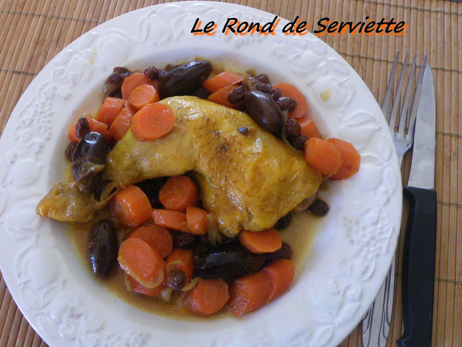 Tajine de poulet aux carottes &amp&#x3B; fruits secs