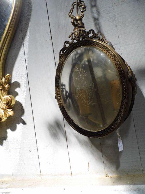 Rare balan oire cocon en rotin bon etat enclume 70 kg for Piscine miroir en anglais