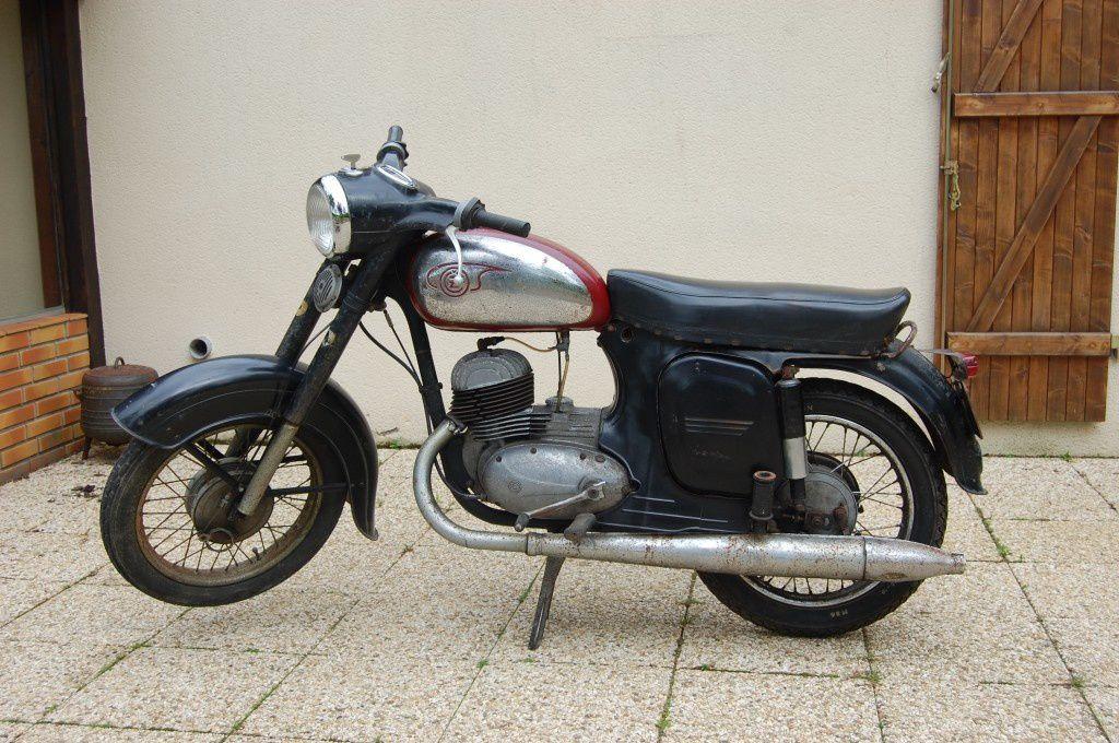 125 CZ type 453 de 1966 de Yvon