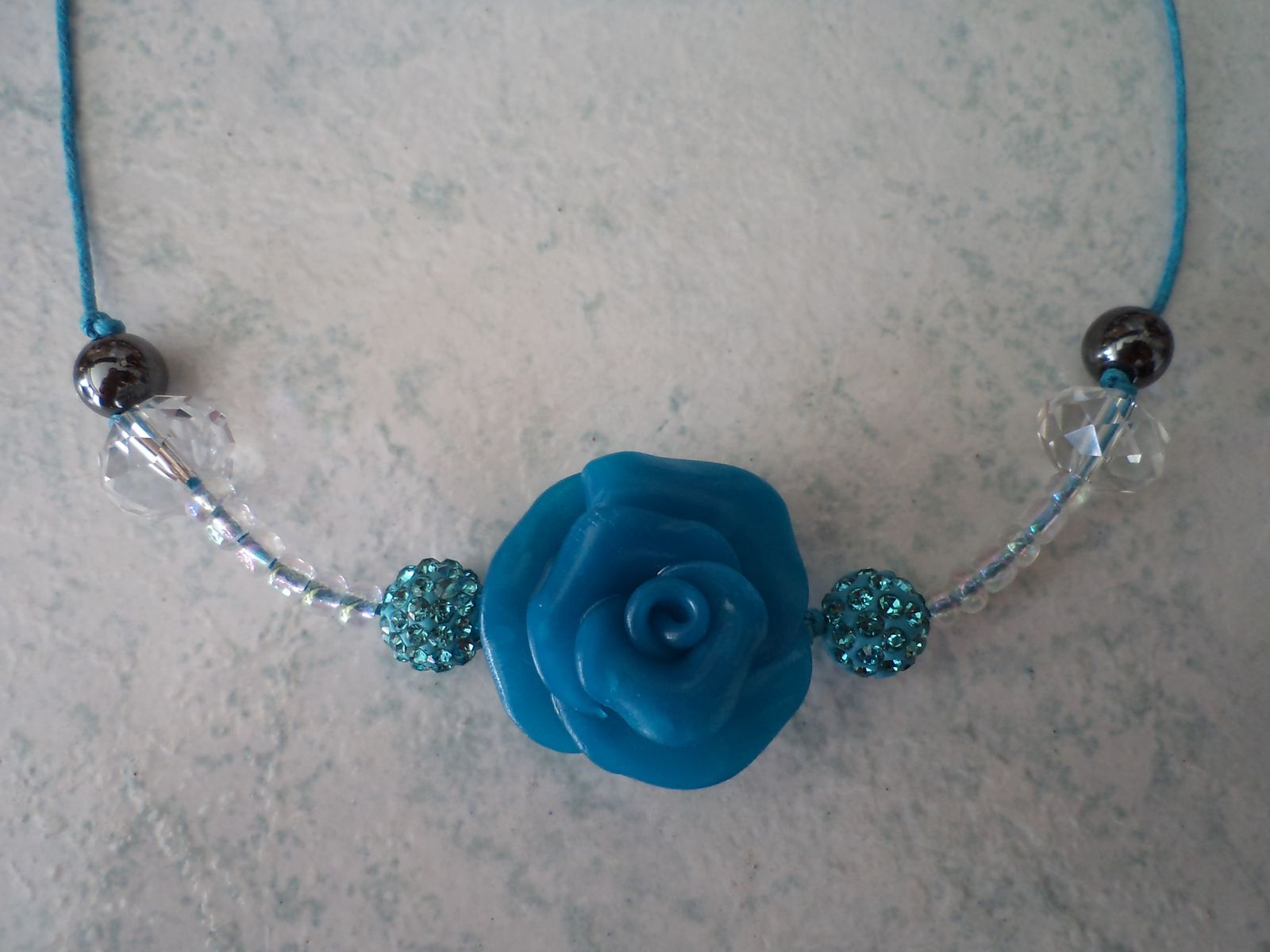 Collier TELL WHITE AND BLUE
