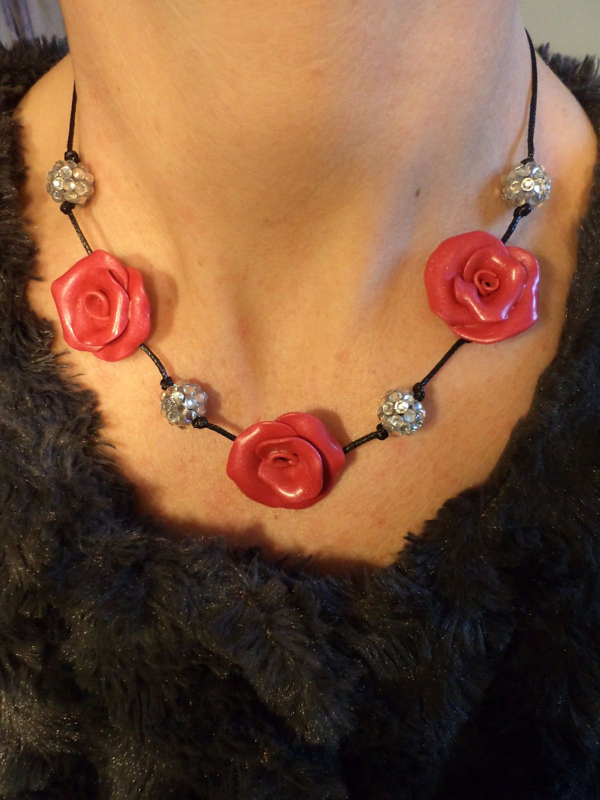 Collier TELL RED