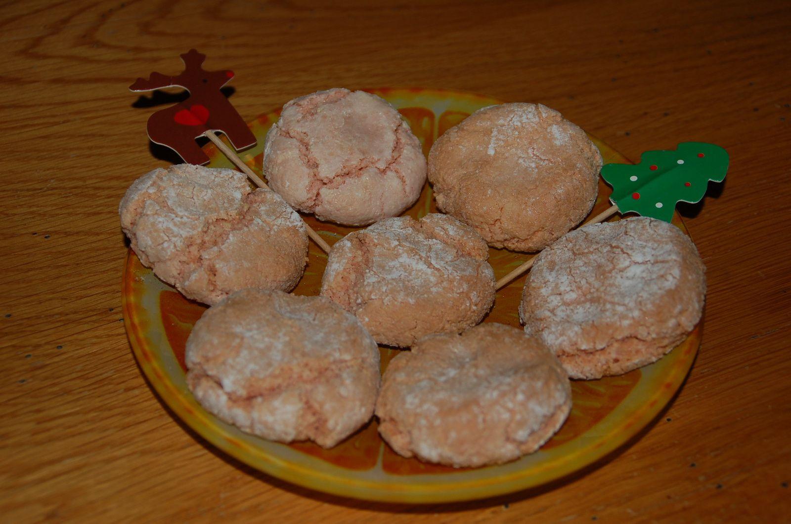 J-20 Amaretti aux biscuits roses de Noël