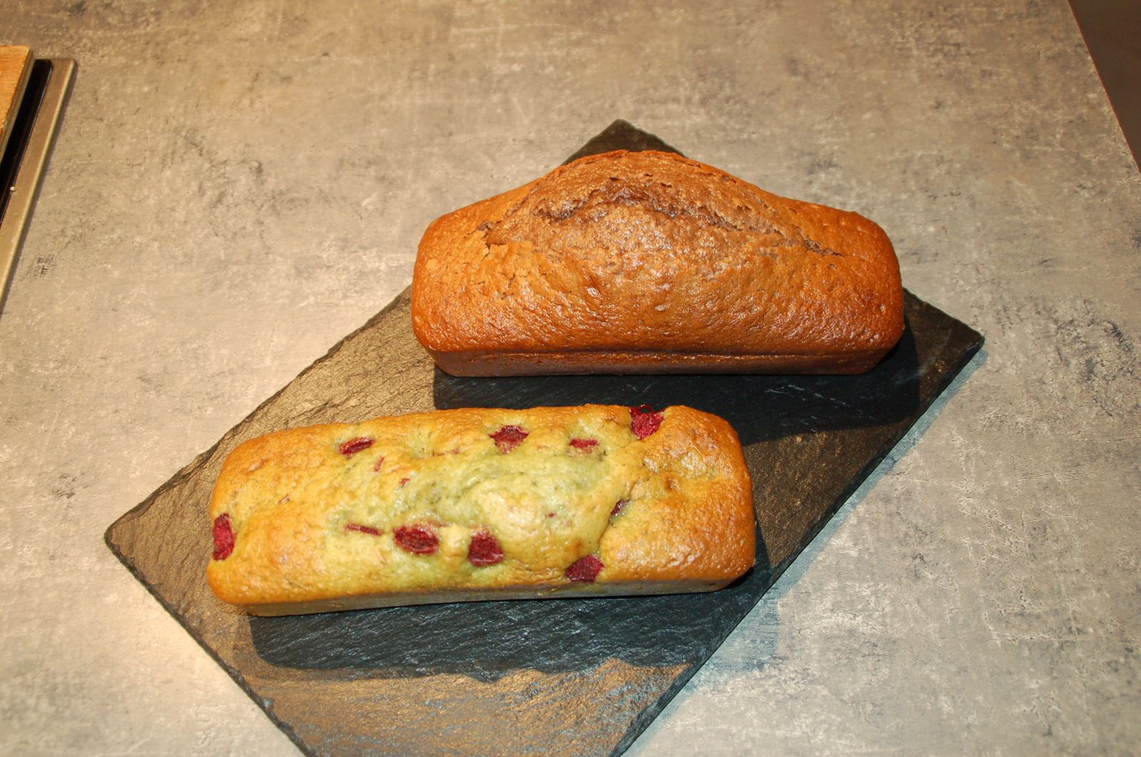 Cake Pistache-framboises et Cake au Nutella