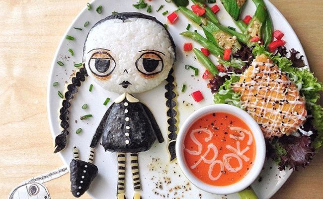 http://www.prettymyparty.com/10-fun-halloween-inspired-food-for-kids/