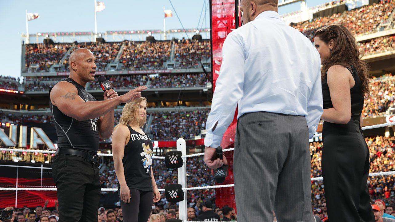 Petit interlude, The Rock & Ronda Rousey confronte Triple H et Stephanie McMahon. Les prémices de WrestleMania 32 ?