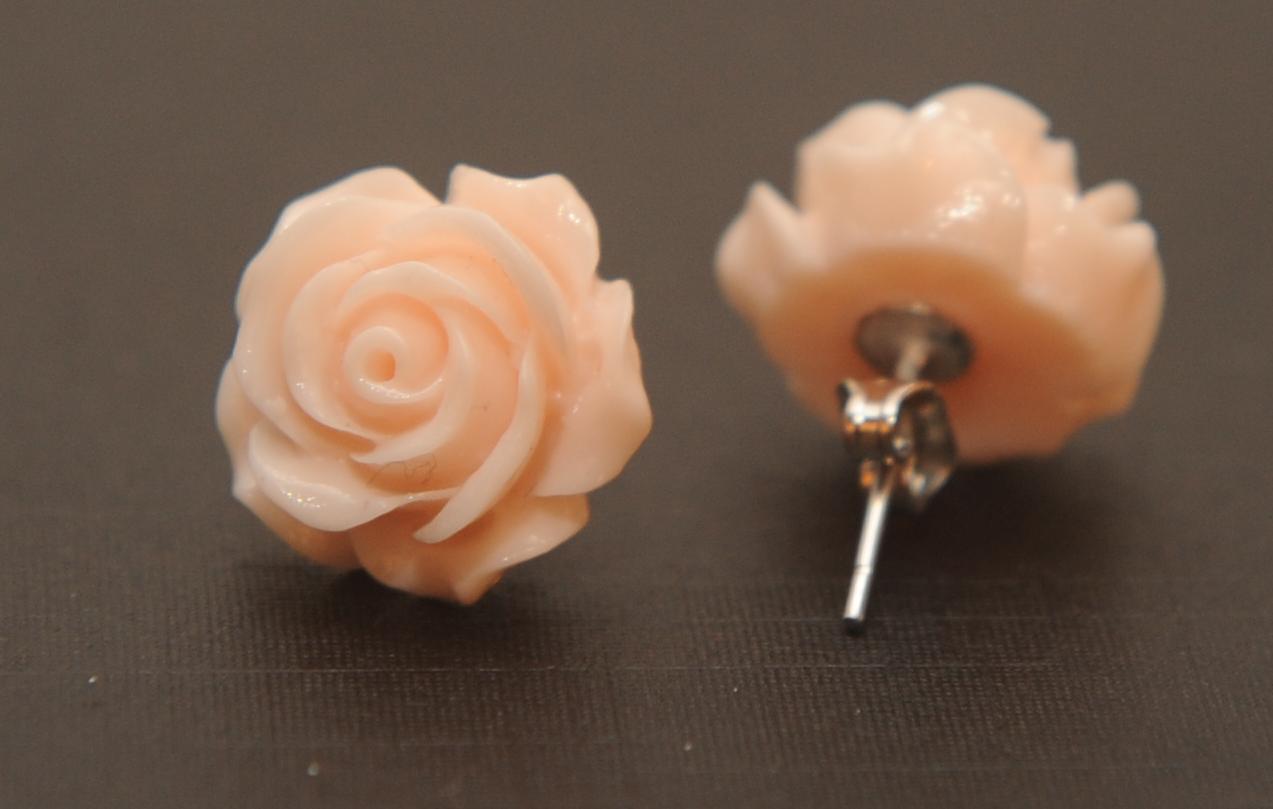 boucle d 39 oreilles petite rose maud 39 l unique. Black Bedroom Furniture Sets. Home Design Ideas