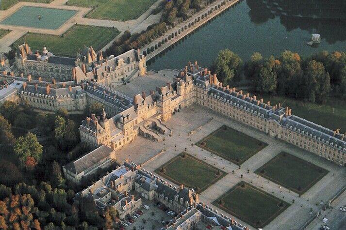 Château de Fontainebleau. Là où se trouve la cour du roi. | La dame de Knox : L'insoumission
