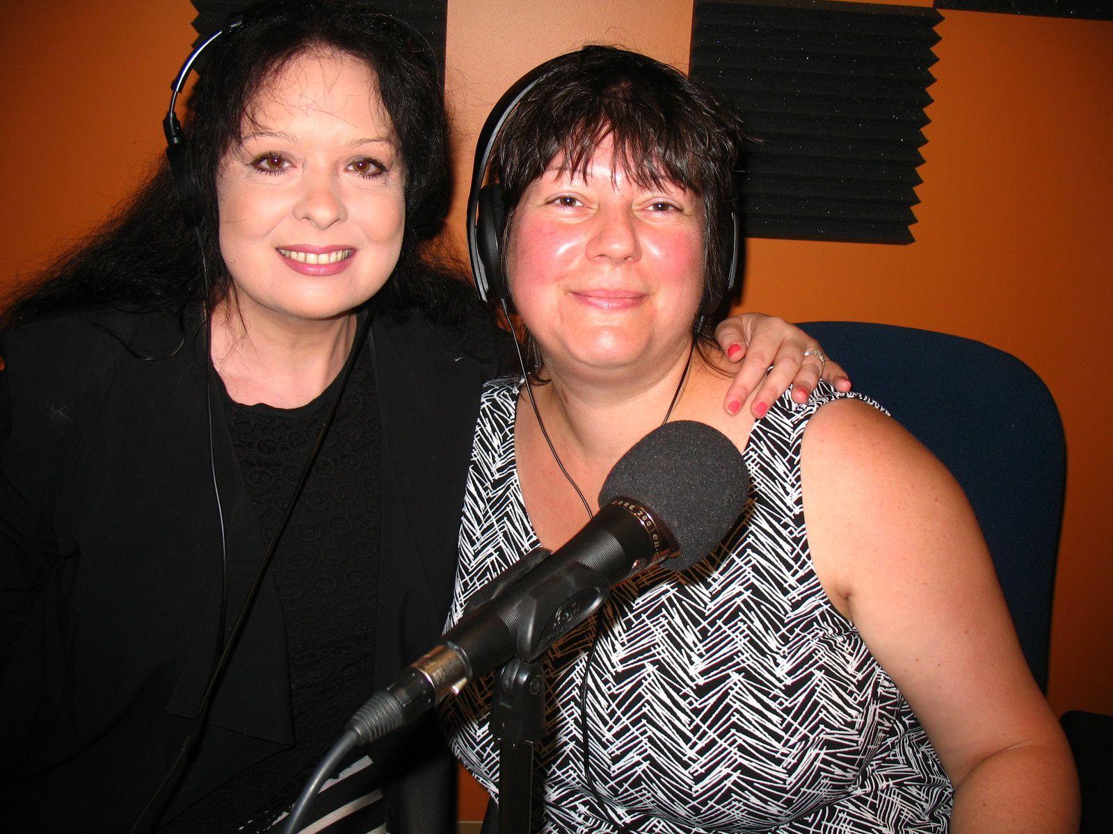 """Enregistrement à l'émission """"À ciel ouvert"""" avec Cynthia Sardou"""