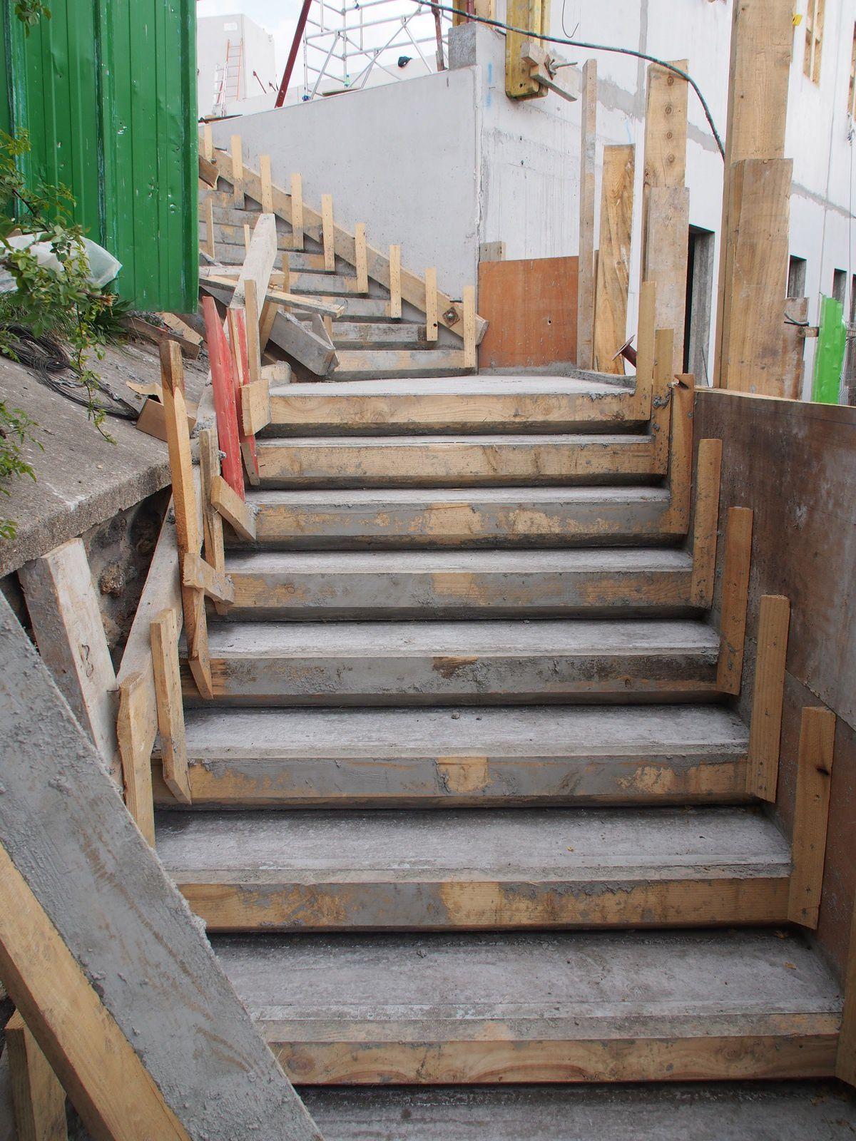 22 avril escalier ext rieur centre pastoral saint for Etancheite escalier exterieur