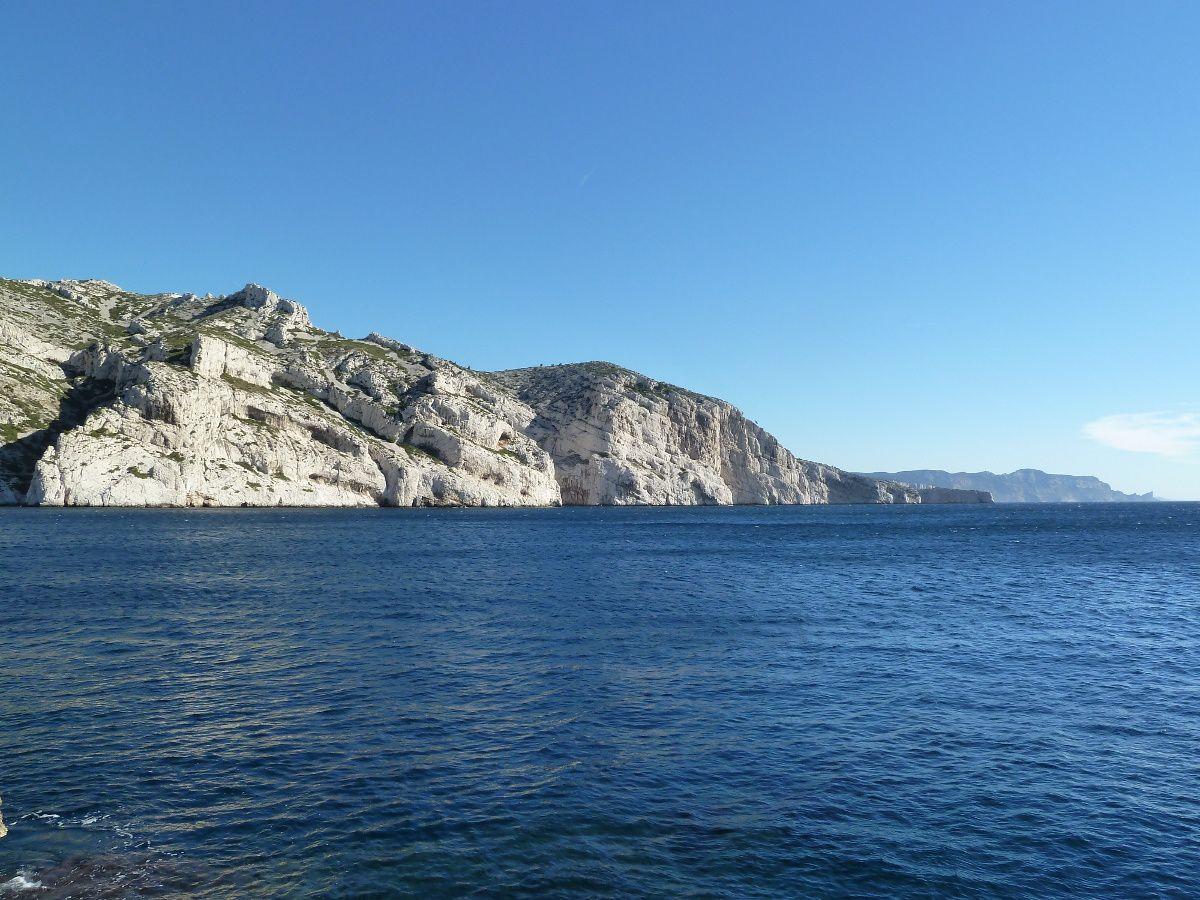 Vue sur la falaise du Cancéou et le cap Morgiou