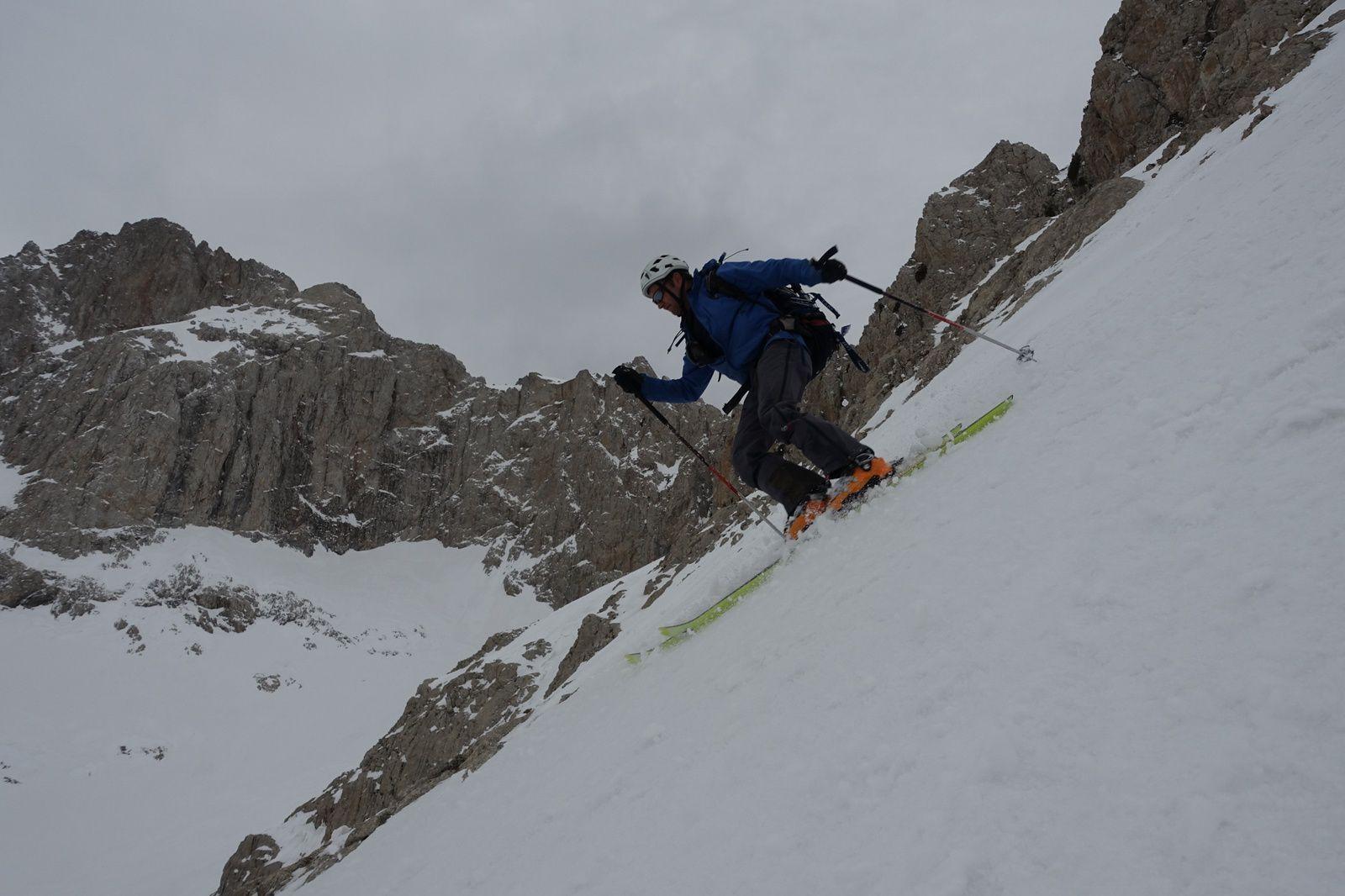 Exploration à skis au nord du Karanfi