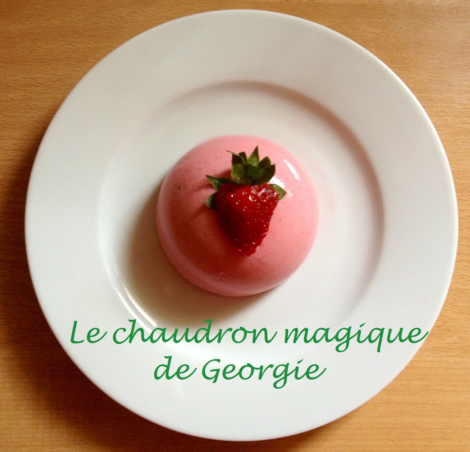 entremet l ger aux fraises ww au thermomix le chaudron magique. Black Bedroom Furniture Sets. Home Design Ideas