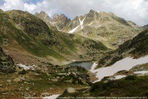 Premier étang de l'Albe (2295m) - Pic Fourcade (265m) - Gros pic de Cazalassis (2656m)