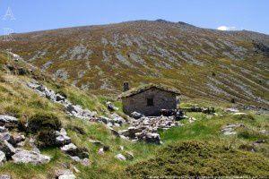 Cabane de la Unarde (2200m)