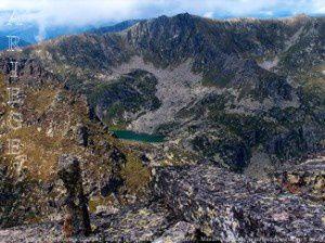 Etang de Mille Roques (2233m)  depuis le pic de la Sabine (2561m)
