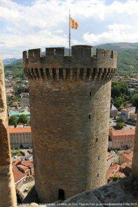 Tour ronde vue de la tour carrée - Château de Foix