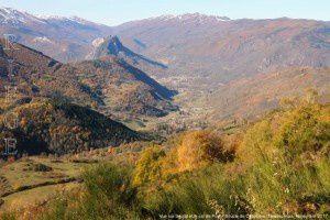 Boucle de Cazenave - Vue sur Saurat et le col de Port