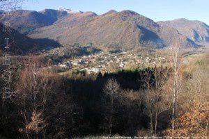 Vue sur Les Cabannes - Montée au col Darques (730m)