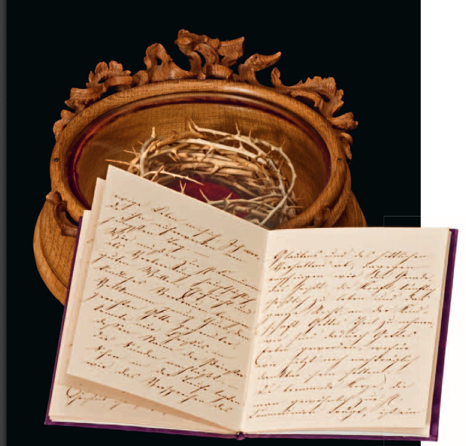 couronne d'épine provenant de Jérusalem, et livre de communion écrit de lamain de Sissi.Il est exposé au Musée Sissi, avec le texte transcrit