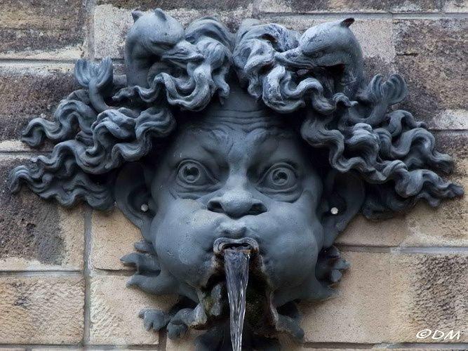 Parc de Sceaux : les mascarons de Rodin