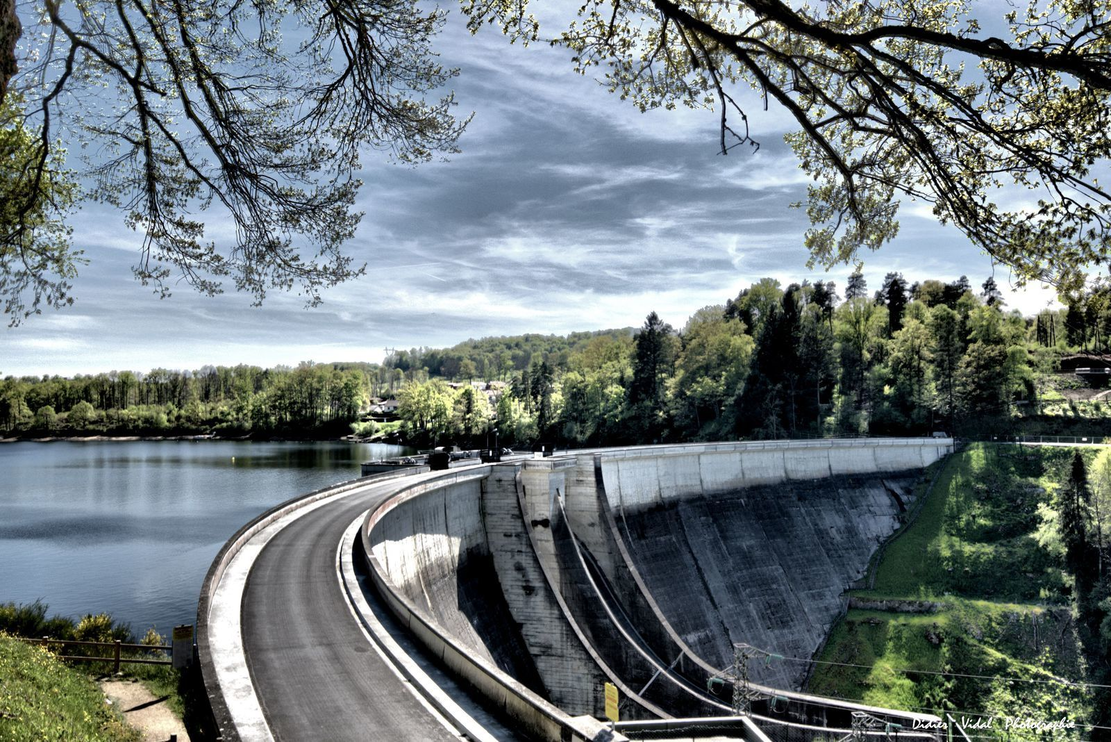 Barrage de St Etienne Cantales  Cantal