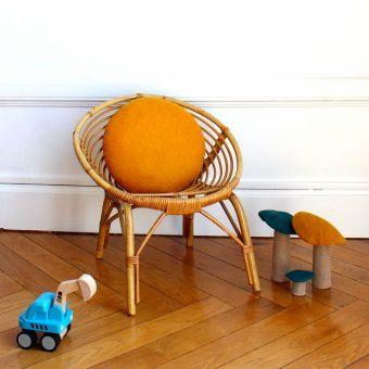 chaises et fauteuils pour tous petits les trouvailles d 39 alma et de sa maman. Black Bedroom Furniture Sets. Home Design Ideas