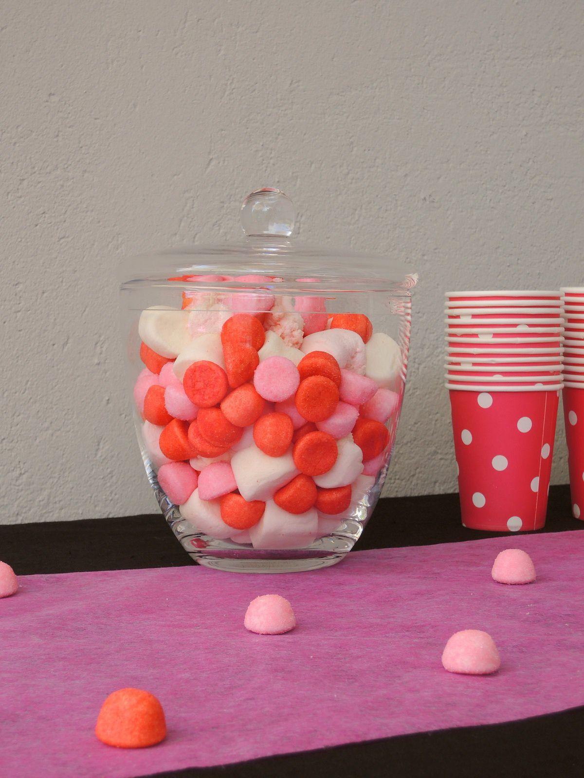 Sweet table fushia et blanc: les deux ans de ma louloute