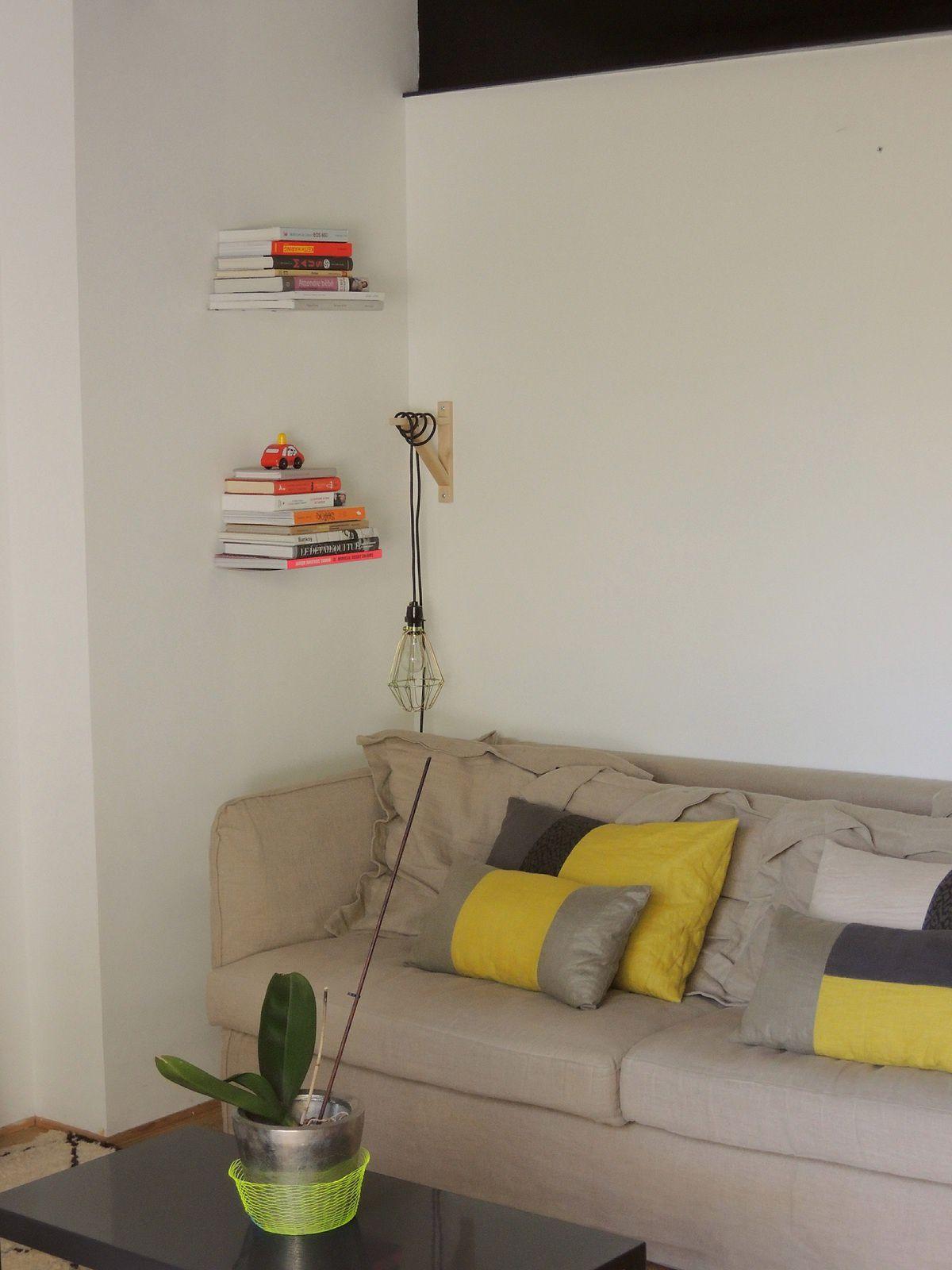 Du nouveau dans notre salon: mes étagères invisibles
