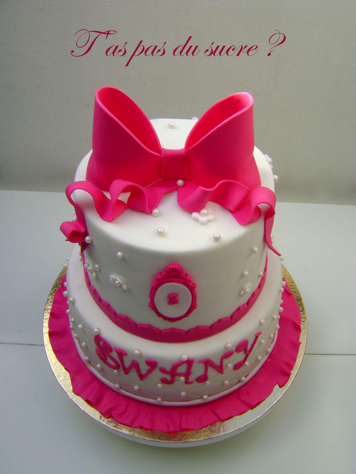 Gâteau girly fushia et blanc