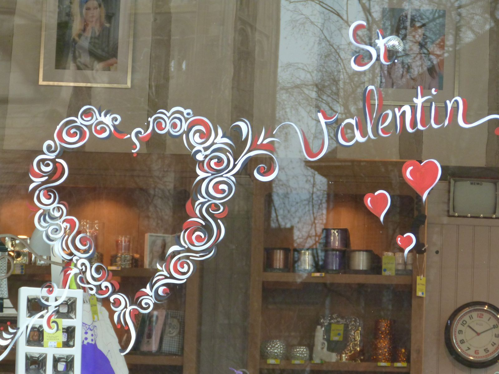 Vitrines pour la saint valentin la p pite d 39 art for Article de decoration