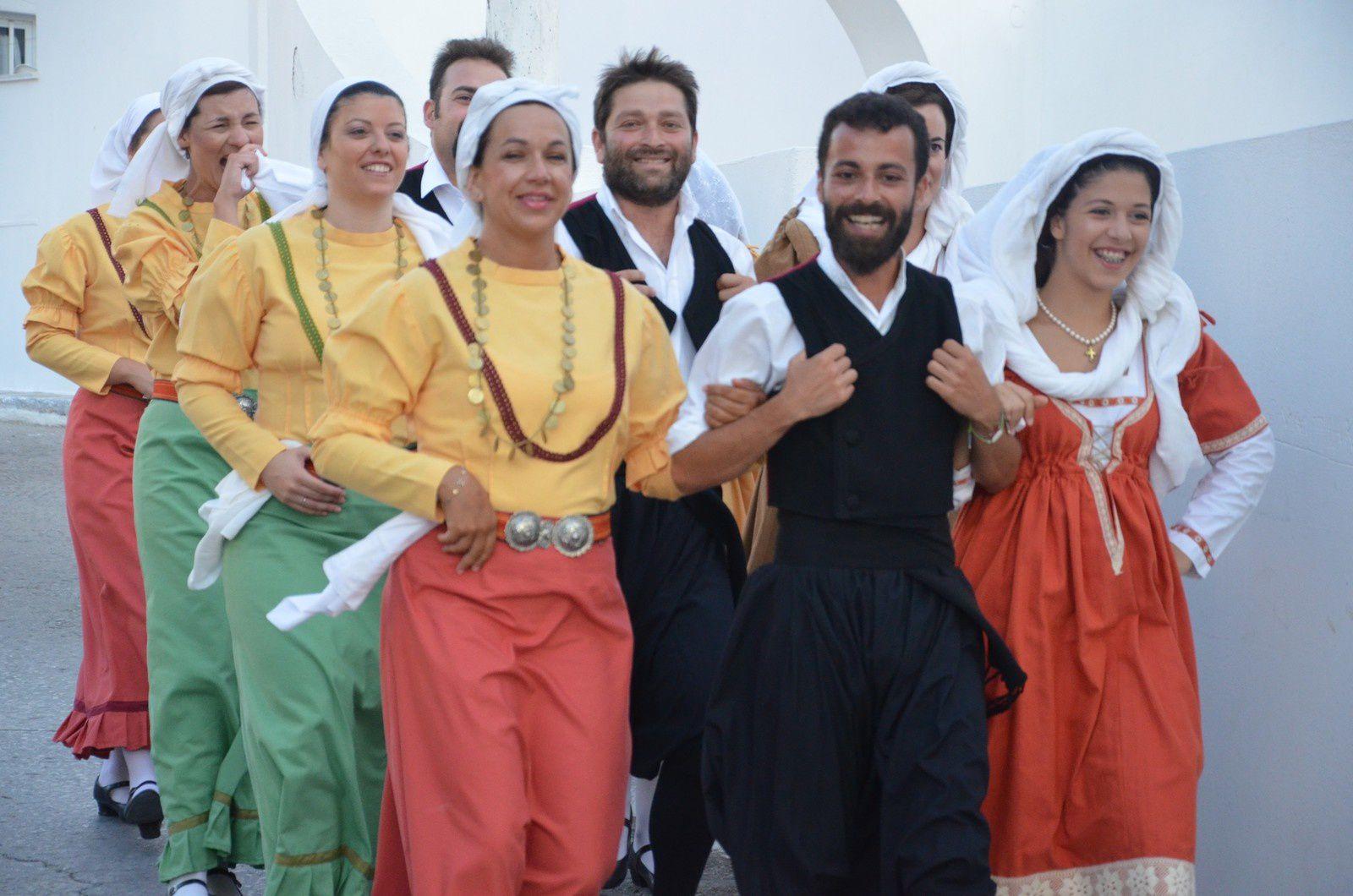 INITIATION AU ROMAN DANS LES CYCLADES, juillet
