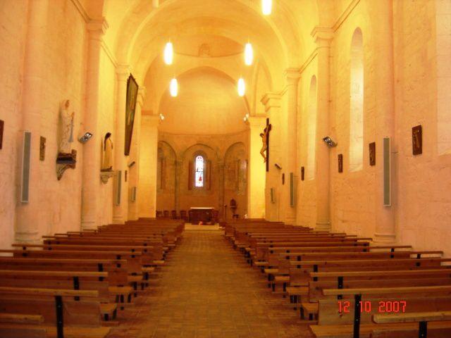 PAROISSE VARS SAINT-AMANT BOIXE  intérieur  de l'église de VArs