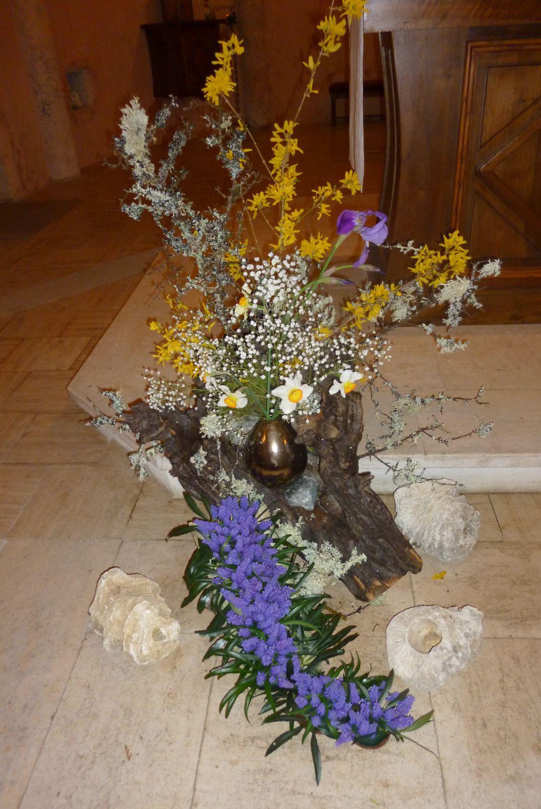 Contempler le don de Dieu, avec le bouquet liturgique.