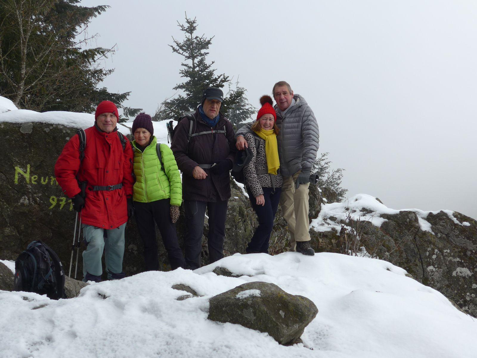 Au sommet du Neuntelstein à 971 mètres.
